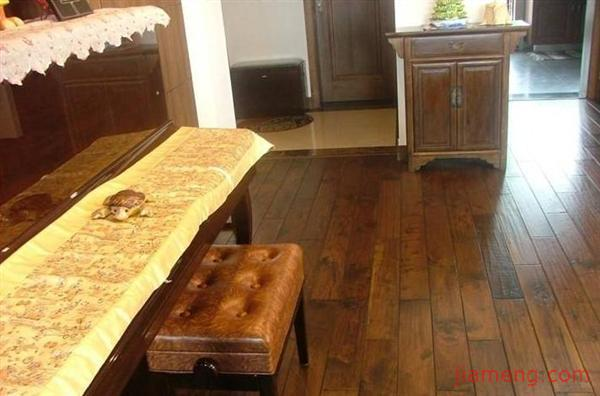 本公司地板基材全部采用柳桉加高山硬杂木