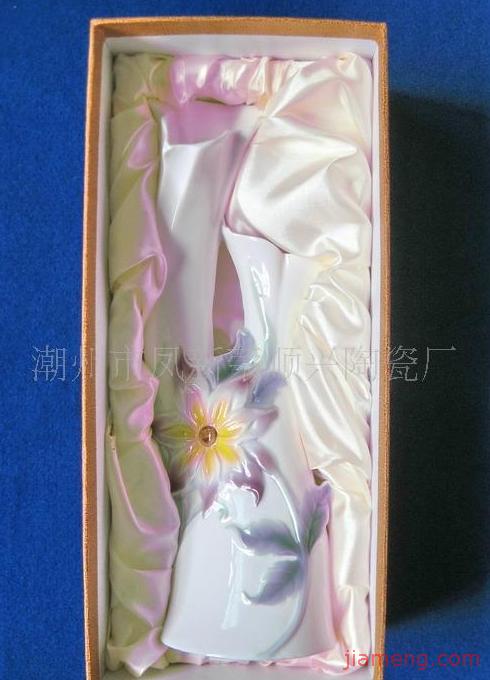 潮州市凤新荣顺兴陶瓷厂加盟连锁a小学v小学中-和为贵小学作文图片
