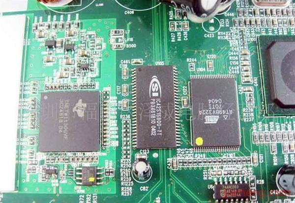 如果无线宽带路由器有rj-11端口可直接连接电话线